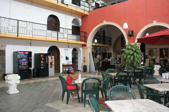 Hotel Doralba Inn: Hall