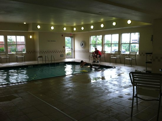 Residence Inn Manassas Battlefield Park: Pool area