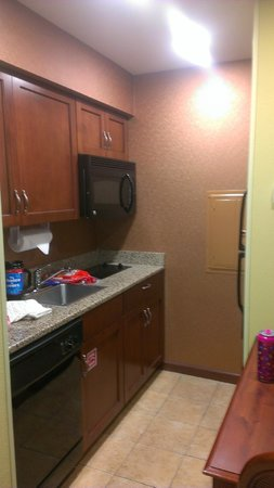 Homewood Suites Ocala at Heath Brook: Kitchenette