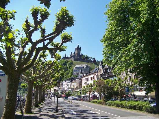 City B&B Cochem: Cochem and the castle