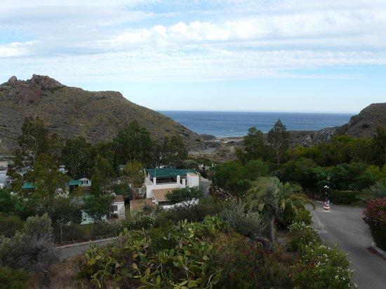 Centro Vacacional Macenas: Vue sur la mer du haut du camping