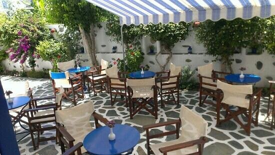 Dilion Hotel: outdoor dining