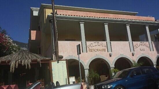 Hotel La Conchiglia: facciata dell'hotel