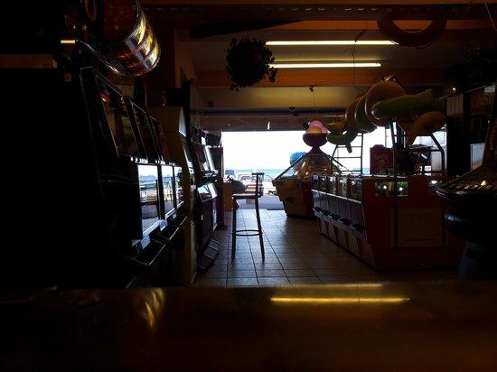 Goodrington Sands: Gold Coast Amusements :)
