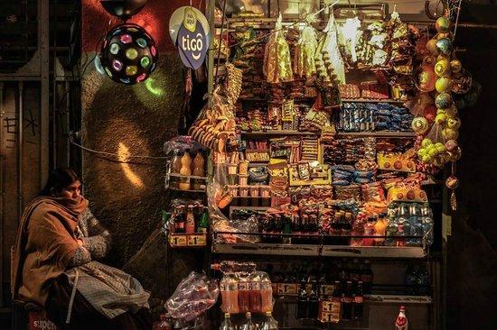 Urban Rush Bolivia : La sacrificada mujer boliviana en su puestito