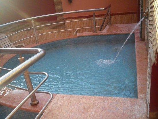 Assounfou Apart-Hotel : part of the pool