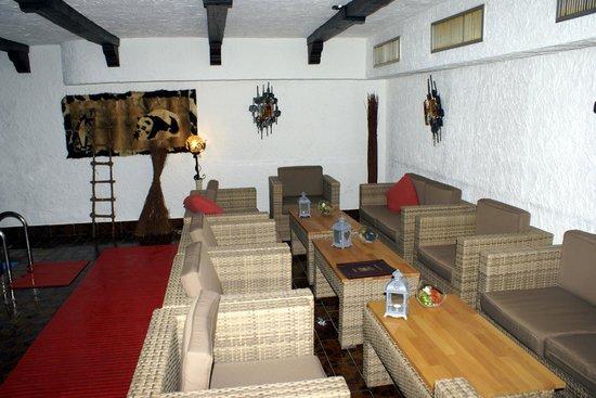 Hotel Zum Walde: Pool bar, feauteuils