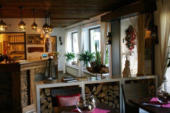 Hotel Zum Walde: Reception