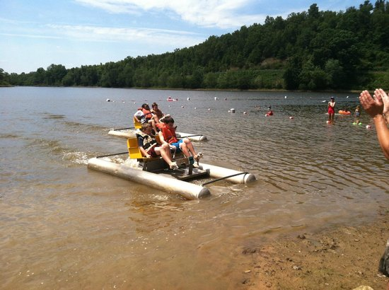 Woolly Hollow State Park: Paddle Boating at Woolly Hollow