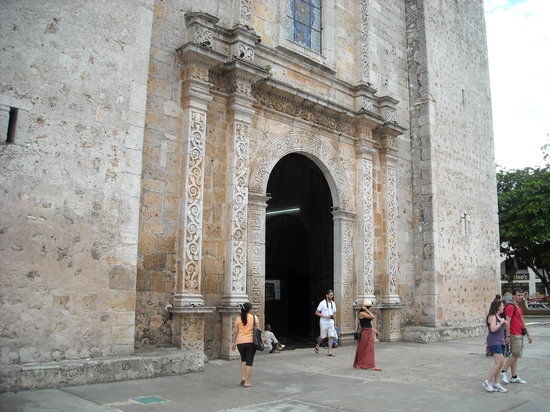 Catedral de San Servasio : Catedral de San Gervasio