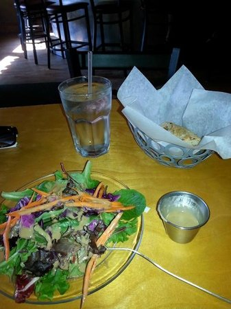 Nine Mile: Awesome salad and bread