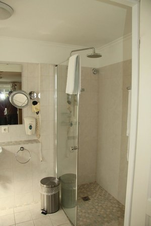 Guesthouse Egilsstadir: Great shower and bathroom amenities