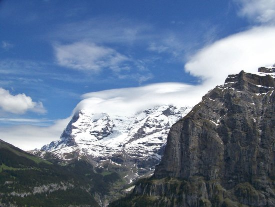 Hotel Staubbach: Scenery on our hike to Murren
