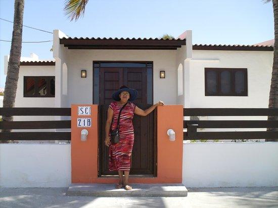 Villa Punta Salina: Casa del Vecino