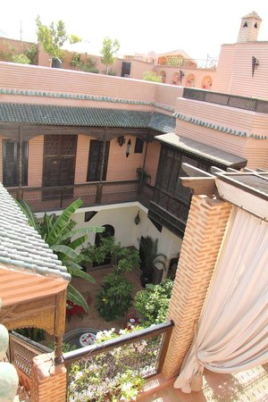 Riad Ilayka : The view on the Riad from the roof terrace