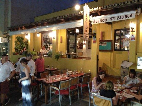 Rustico Restaurante: Rustico by night