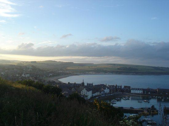 Adina B&B: little sunshine on Stonehaven...a place to stay