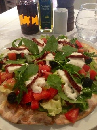 La Taverne Romaine: foccacia caprese!