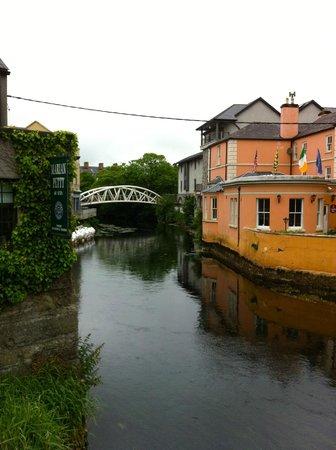 Ennis Walking Tours: The river Fergus