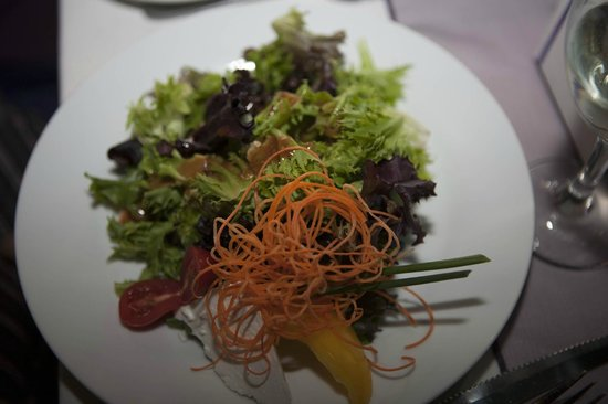 Bonnie View Inn : Feta Green Salad with Balsamic Vinegrette