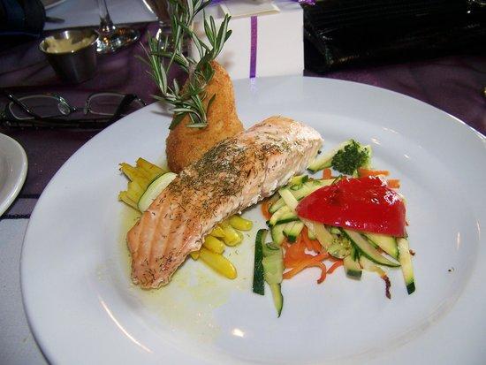 Bonnie View Inn : Baked Salmon