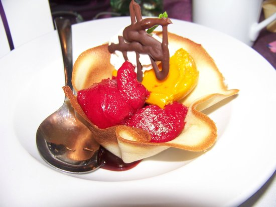 Bonnie View Inn : Mixed Sherbert in a Cookie cup