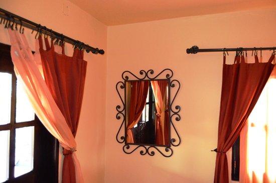 Hotel California: Room