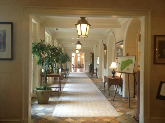 Keswick Hall: View from lobby toward Fossett's Bar