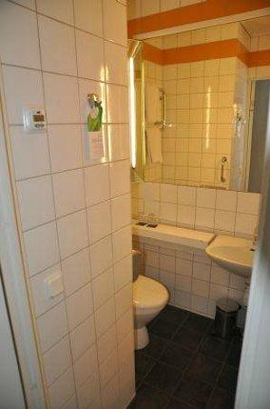 First Hotel Witt : klein aber sauber