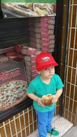Pizza Amore: on my break lol :)