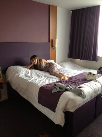 Premier Inn London Hanger Lane Hotel: nice comfy bed