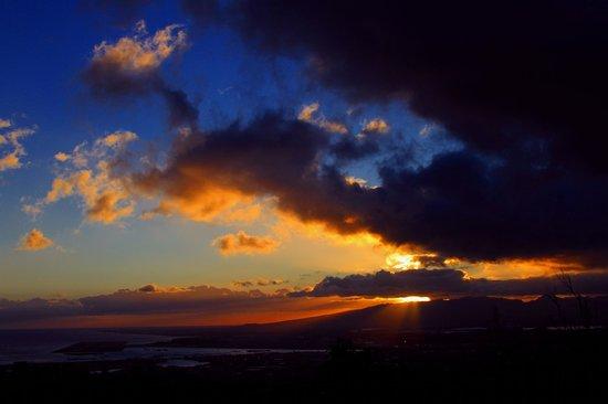Puu Ualakaa State Park: Sunset at Puu Ualakaa
