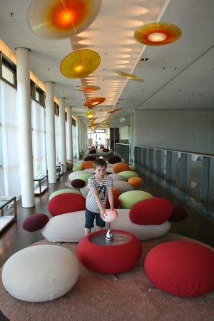 SIDE Design Hotel Hamburg: Lounge area