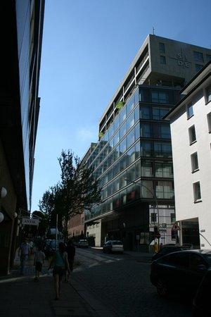 SIDE Design Hotel Hamburg: close to Gänsemarkt/Binnenalster