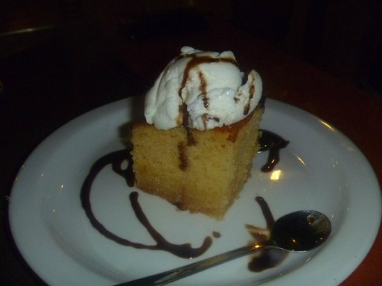 Zeus Hotel: free honey cake at Hypocrates