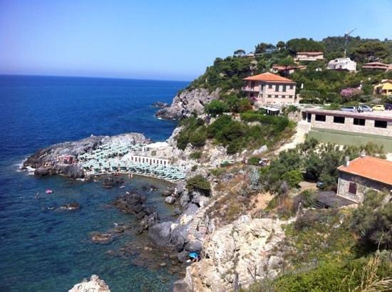 Hotel Baia di Talamone: spiaggia organizzata con l'hotel