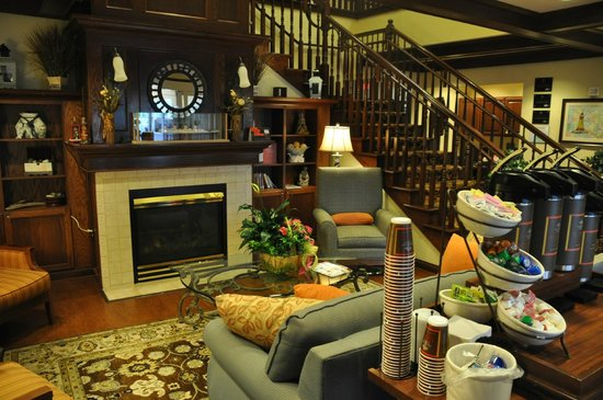 Country Inn & Suites By Carlson, Marinette: Lobby Area