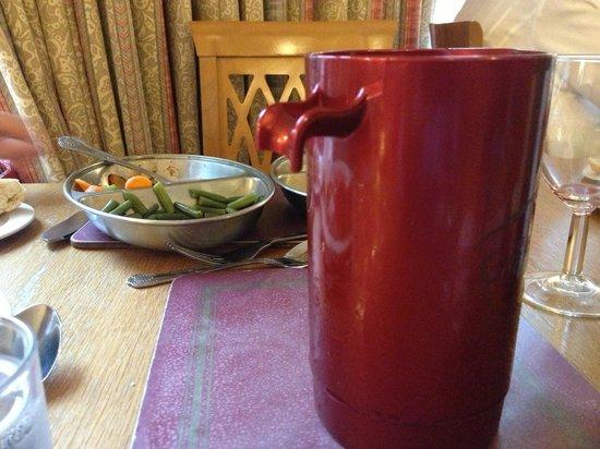 Gairloch Hotel: The broken jug on the restorant
