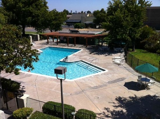 Best Western Plus Garden Court Inn: Pool