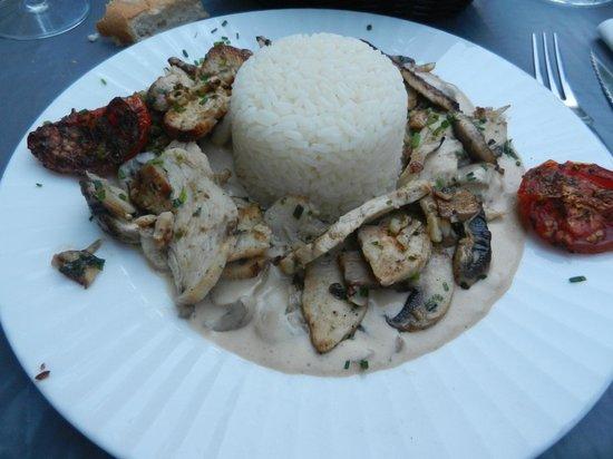 Restaurant Le Melody: émincé de volailles , champignons
