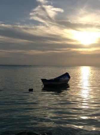 Haadlad Prestige Resort & Spa : coucher de soleil depuis la plage