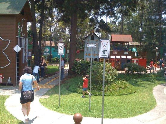 Childrens Museum: Mi ciudad para Enseñar las señales de Transito