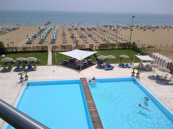 Adriatic Palace Hotel: View from 3rd floor balcony