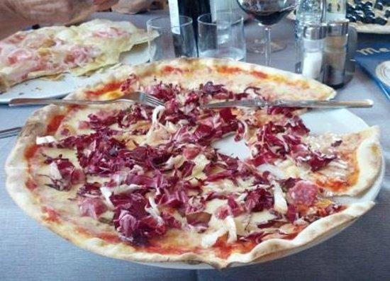 Pizzeria Ristorante La Rosa Blu: Pizza Bra