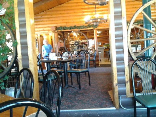 Log cabin cafe picture of log cabin cafe choteau for Log cabin cafe
