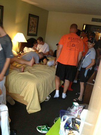 Quality Inn: My room - with 13 baseball players in it..... UGGGGG!!!!!