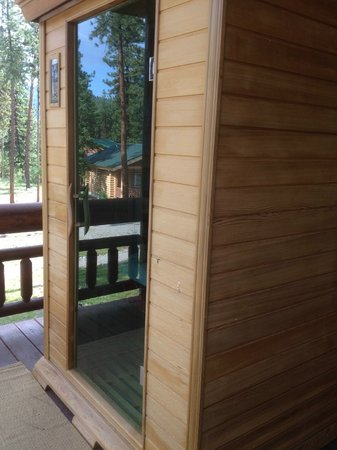 Lozeau Lodge: Sauna overlooks the beautiful views.