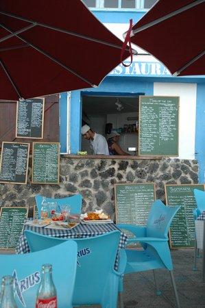 Bar Central El Chiringuito de Yolanda: Nice terrace