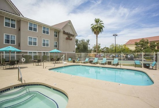 Residence Inn Phoenix Glendale/Peoria : Outdoor Pool & Spa