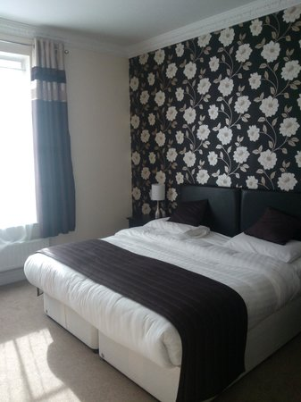The Glebe Hotel: Room